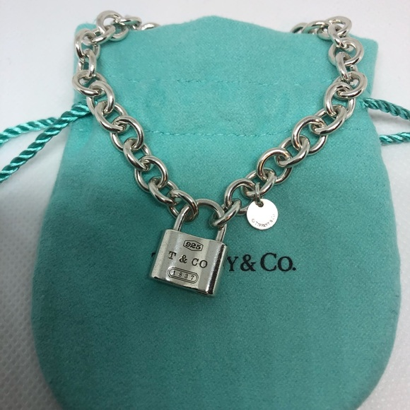 36494bcce TIFFANY 1837 Padlock Charm Chain Link Bracelet. M_5c77f4efaa5719a91315133b
